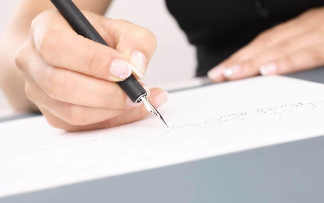 Как вернуть долг по расписке с физического лица должника, если не отдает